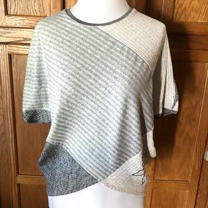 🌈Desigual Small Gray Color Block Knit Top Flower